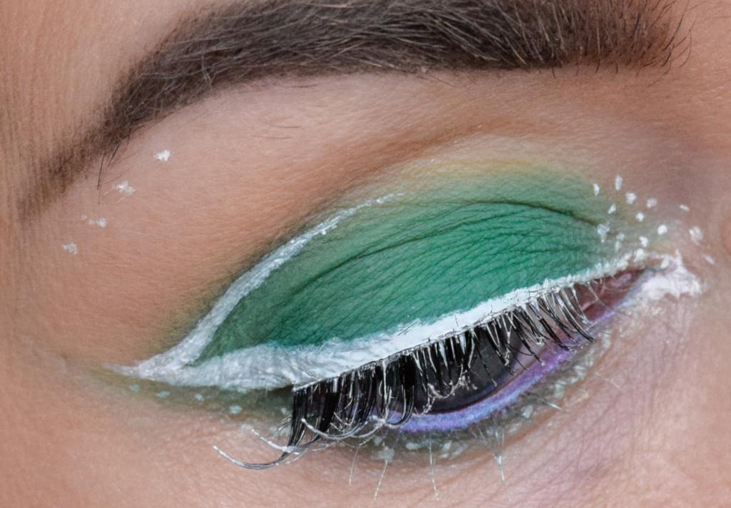Grönt är skönt + Vit eyeliner-fail