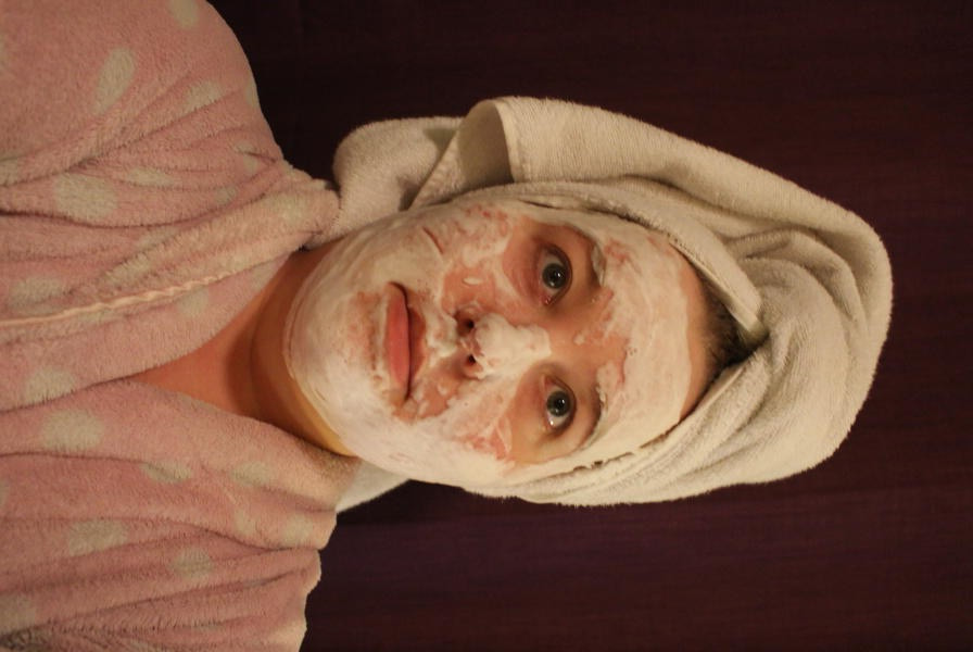 Sparkling makeover mask