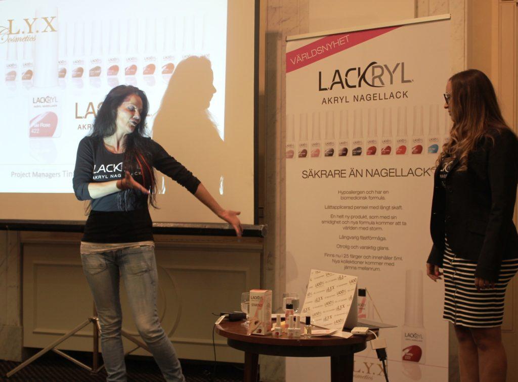 Lackryl2