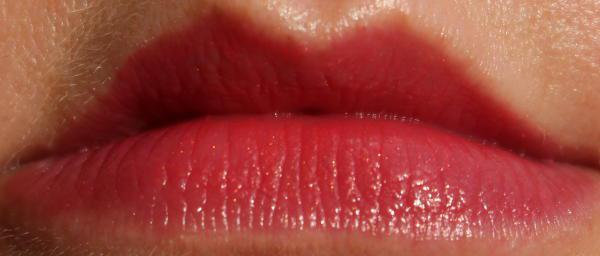 Glam Muse Lustre lipstick