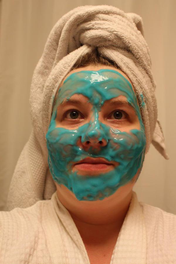 dr dennis gross hyaluronic marine hydrating modeling mask