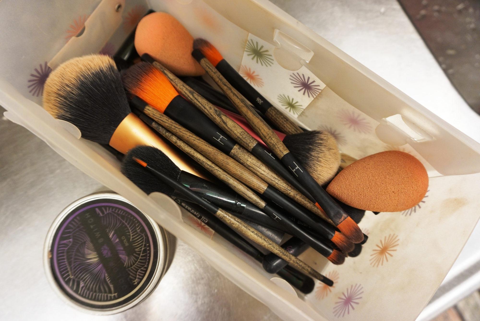 Det här med att tvätta sina sminkborstar... - Daisy Beauty 794183fcd9141