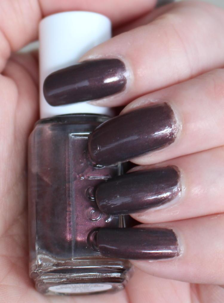 Essie Sable collar