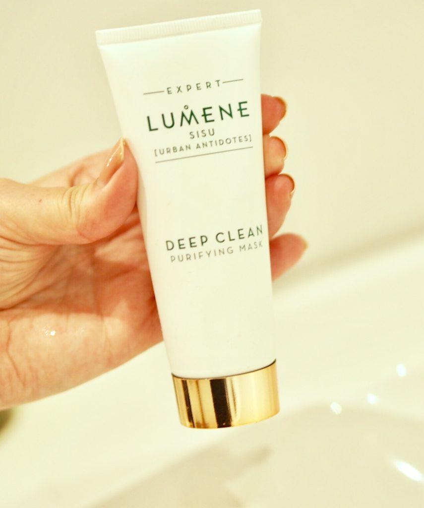 Söndagsmaskar med Lumene Sisu Deep Clean