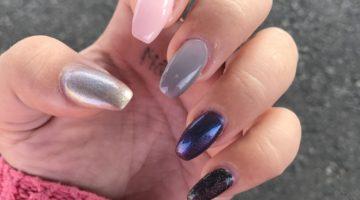 Naglar i olika färger