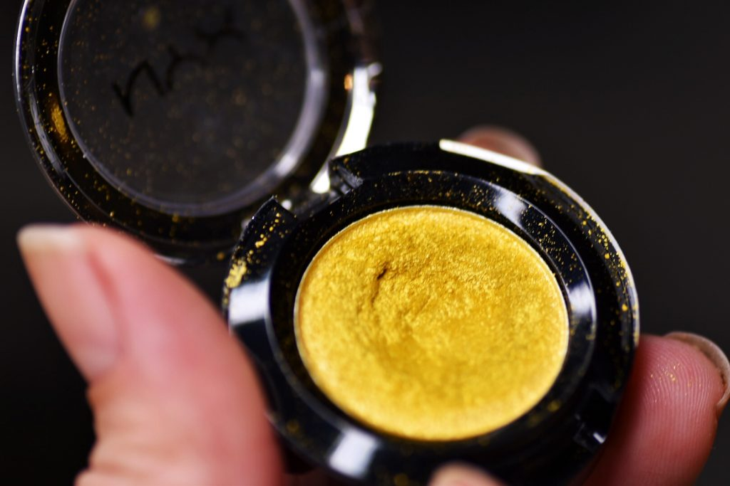 NYX Prismatic eyeshadow gilded