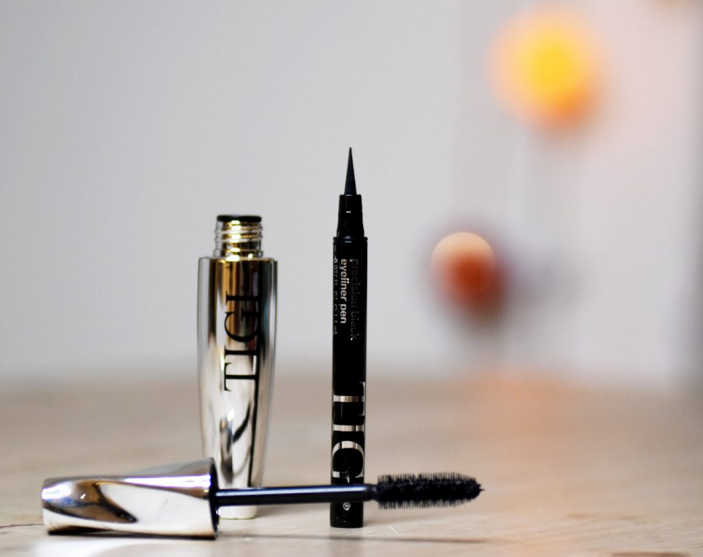 TIGI Cosmetics Precision Black Eyeliner Pen och Luxe Lash Black Mascara