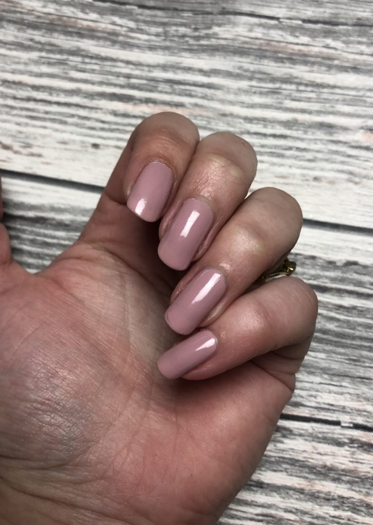 Essie Treat Love & Colour Light Weight