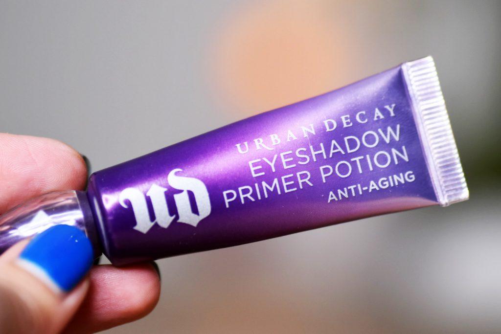 smink jag inte klarar mig utan Urban Decal Eyeshadow Primer Potion