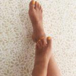 gult fötterna