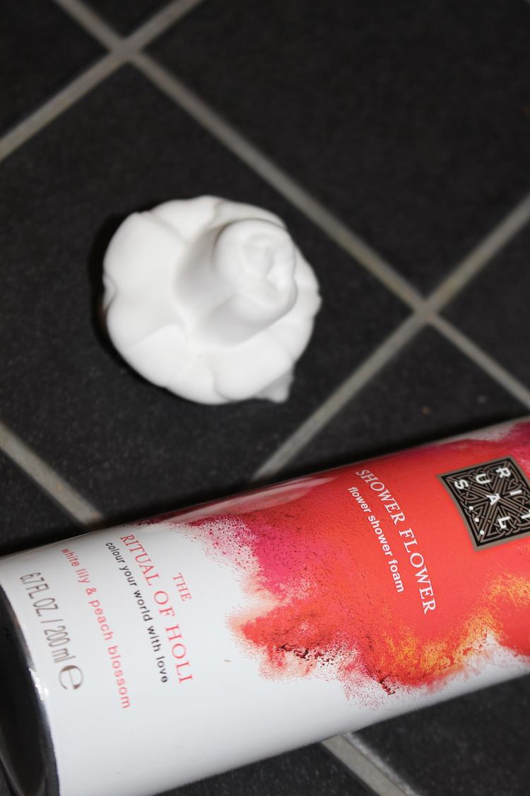 The ritual of Holi Shower Flower Foam