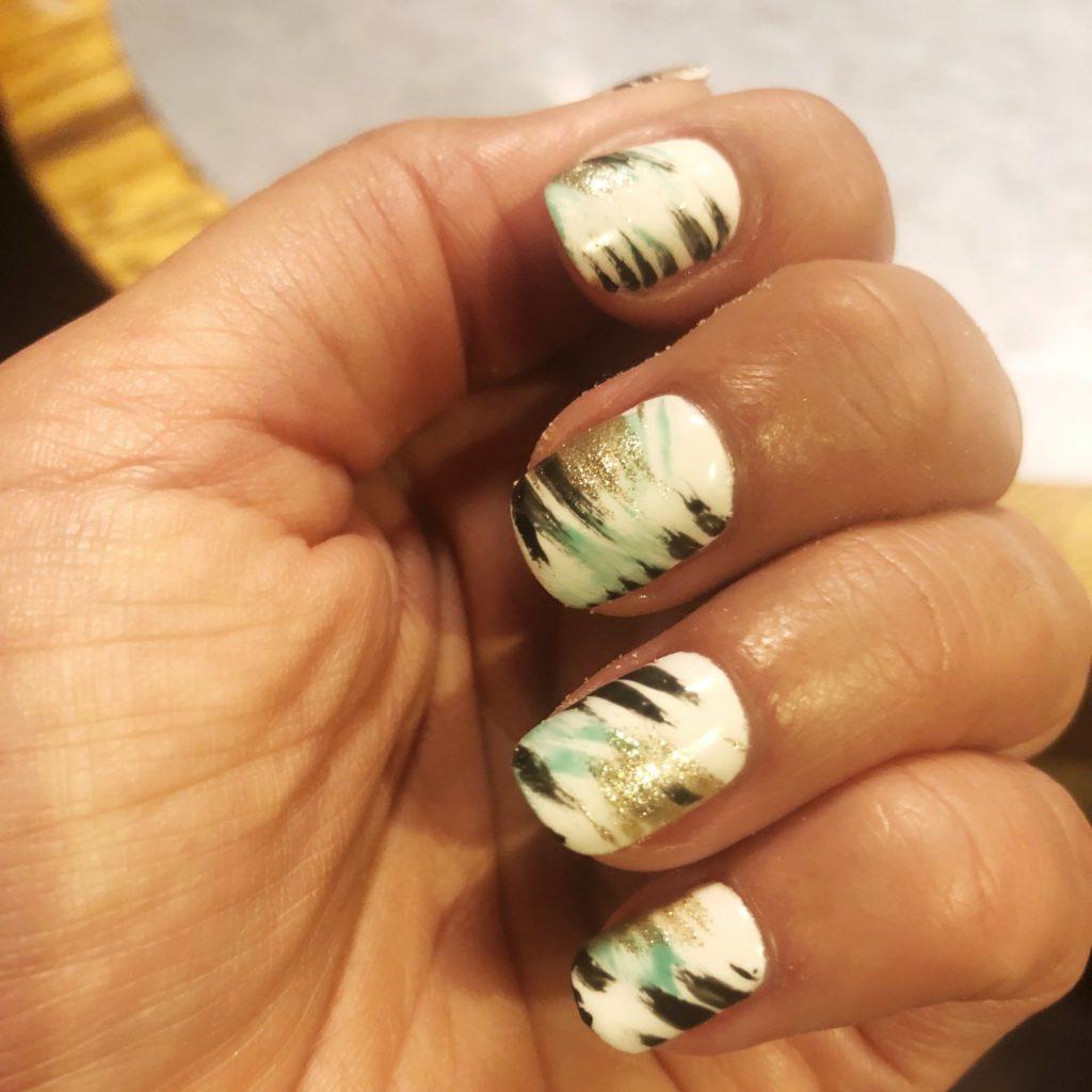 Brushstroke Manicure, nya naglar hos Frida Selkirk