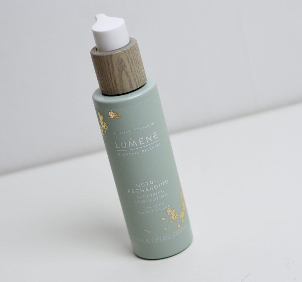 Lumene Nutri-recharging nurturing body lotion