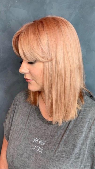 persikofärgat hår