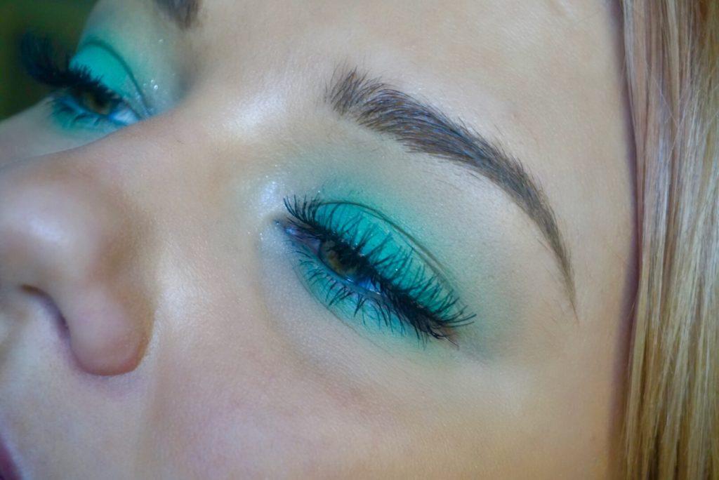 en enkel look med Linda Hallberg Cosmetics Spectral palett