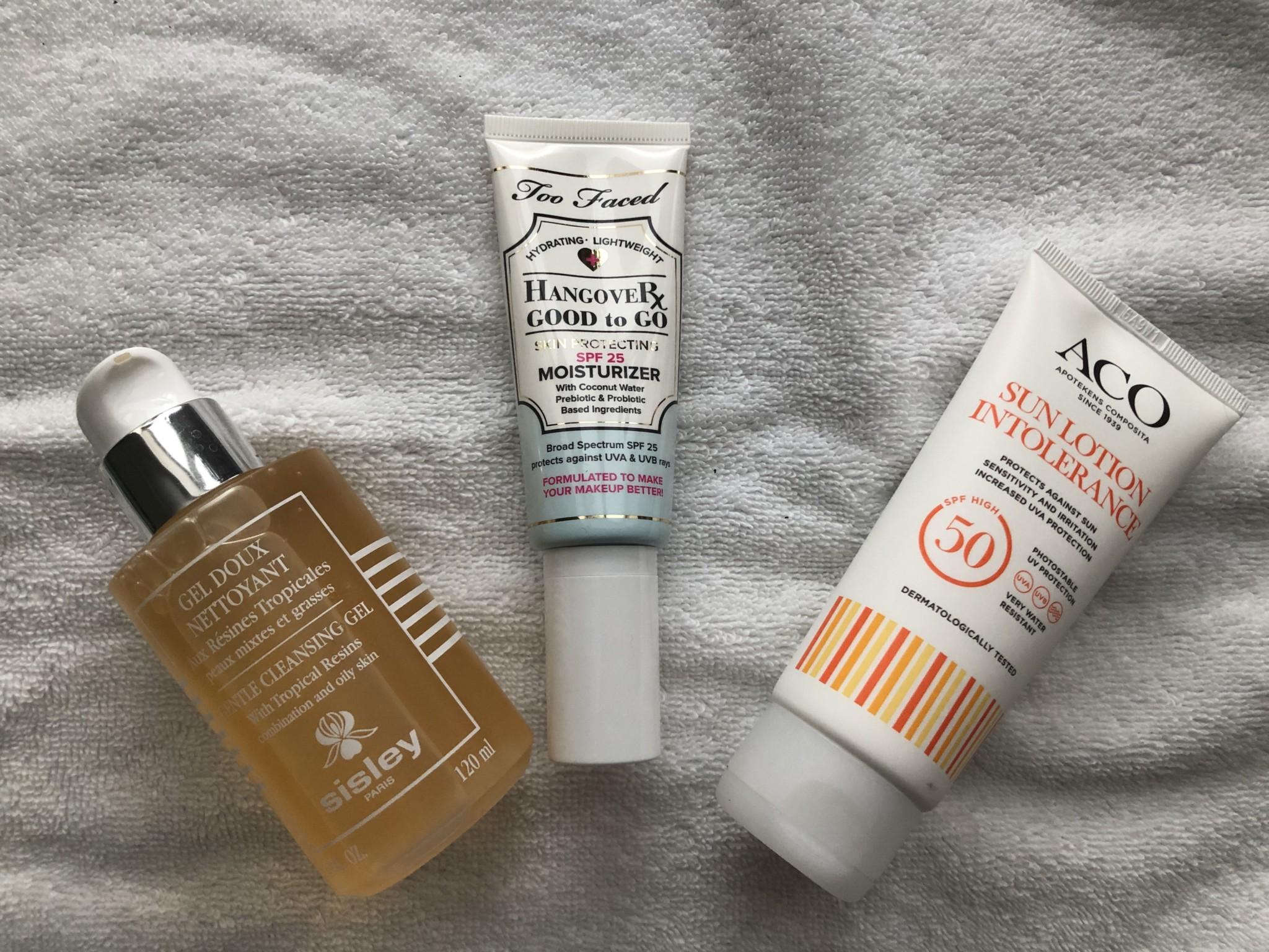 Sisley Gentle Cleansing Gel, Too Faced hangover Good To Go Moisturizer, ACO Sun Lotion Intolerance.