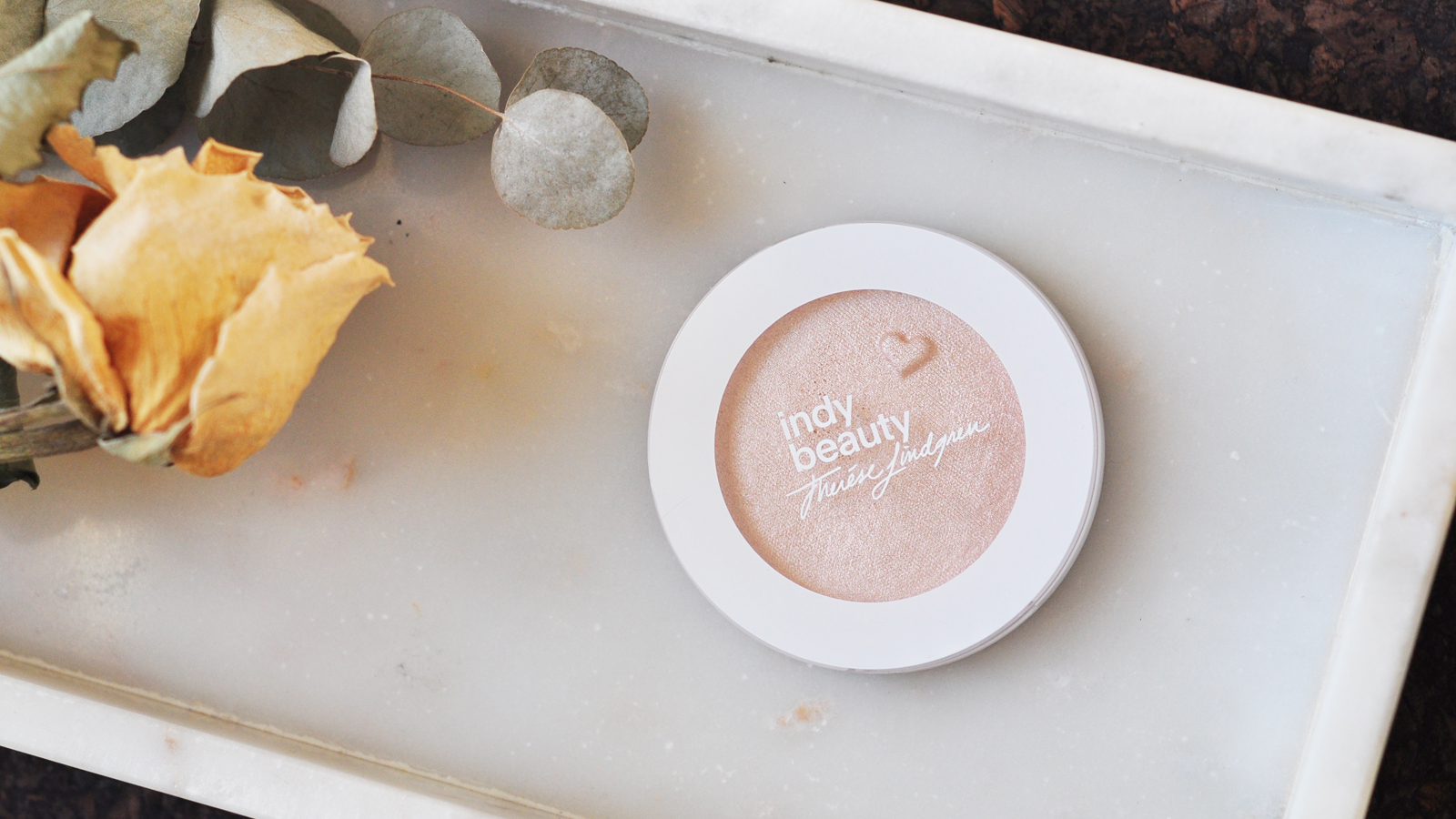 Indy Beauty highlighter