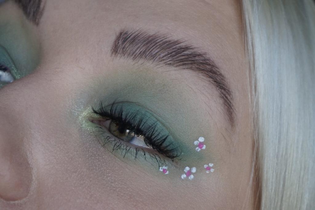 grön ögonsminkning