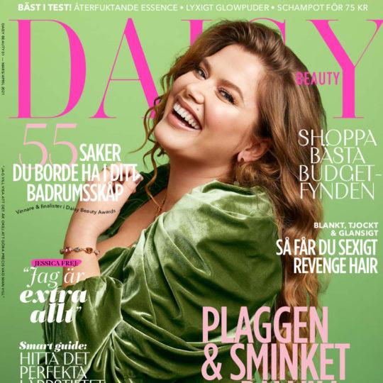 Tidningsomslag med Jessica Frej i grönt och rosa