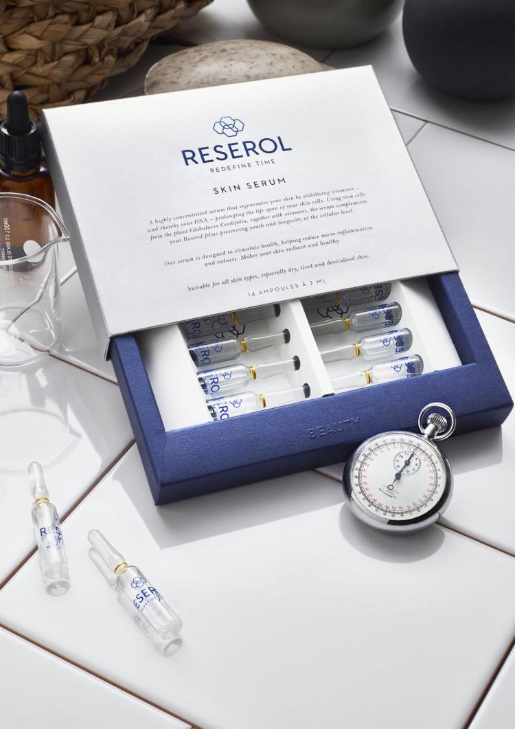 Öppnade låda med Reserol Skin Serum