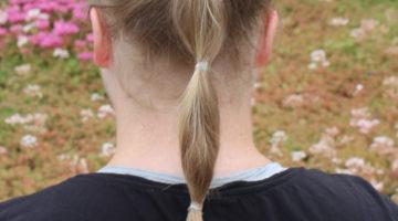 tre enkla håruppsättningar